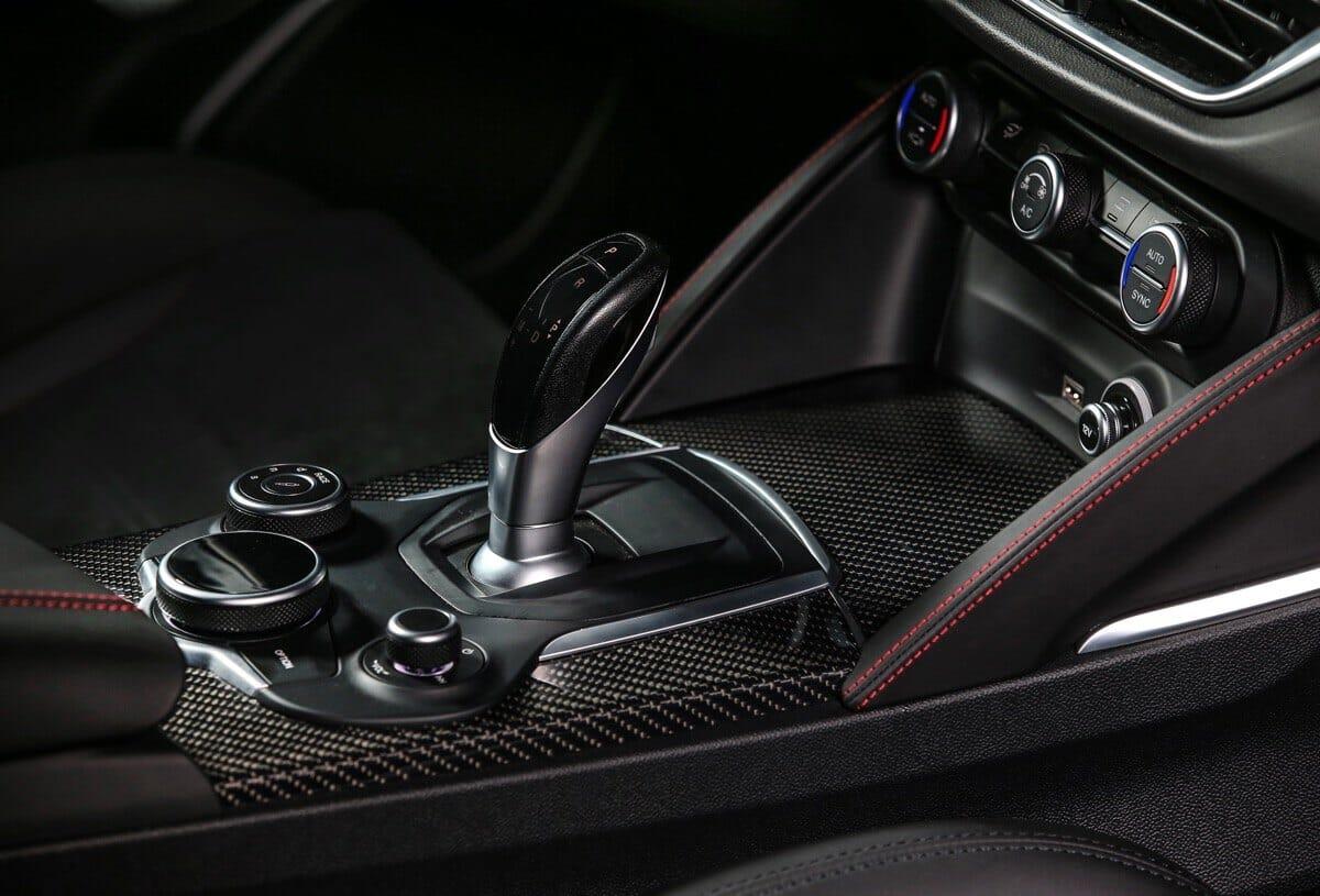 Alfa Romeo Stelvio Quadrifoglio Schaltung
