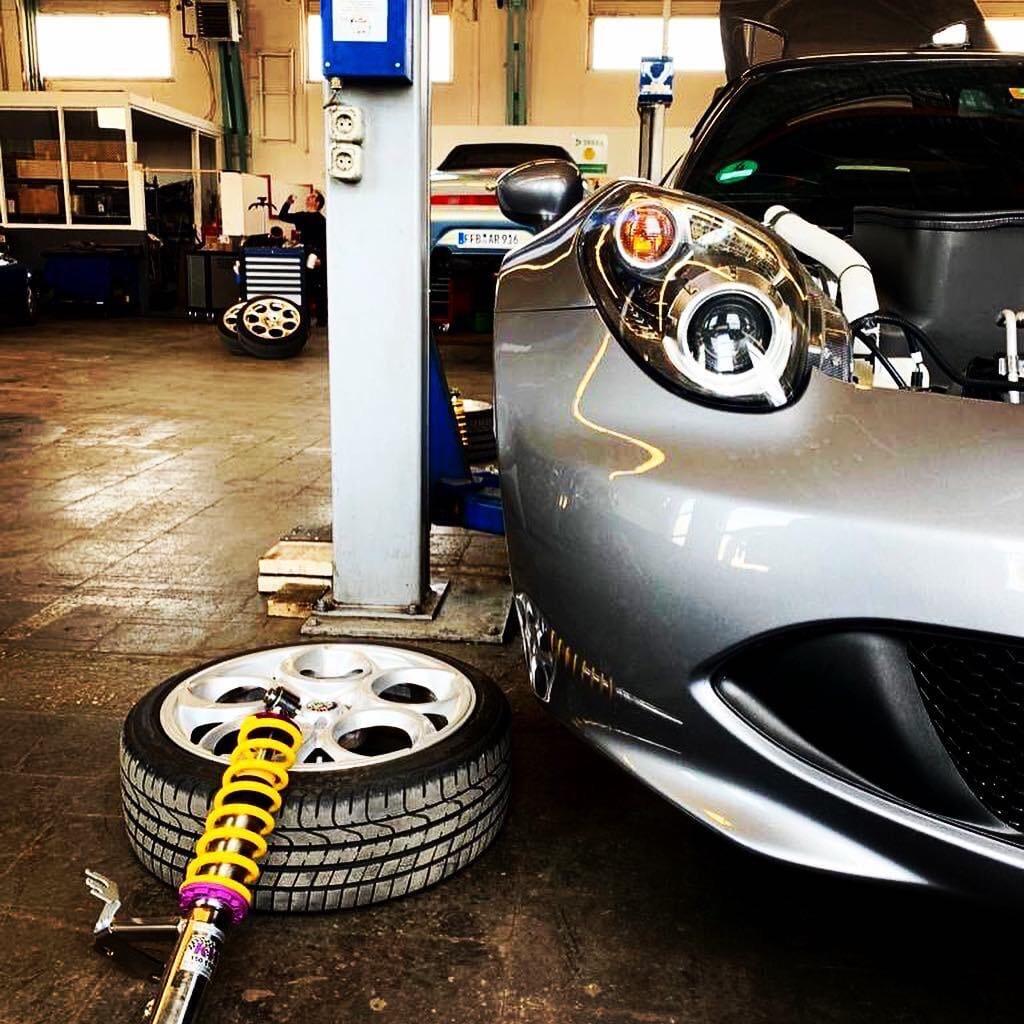 Alfa Romeo 4C Stufenlos höhenverstellbares KW Gewindefahrwerk
